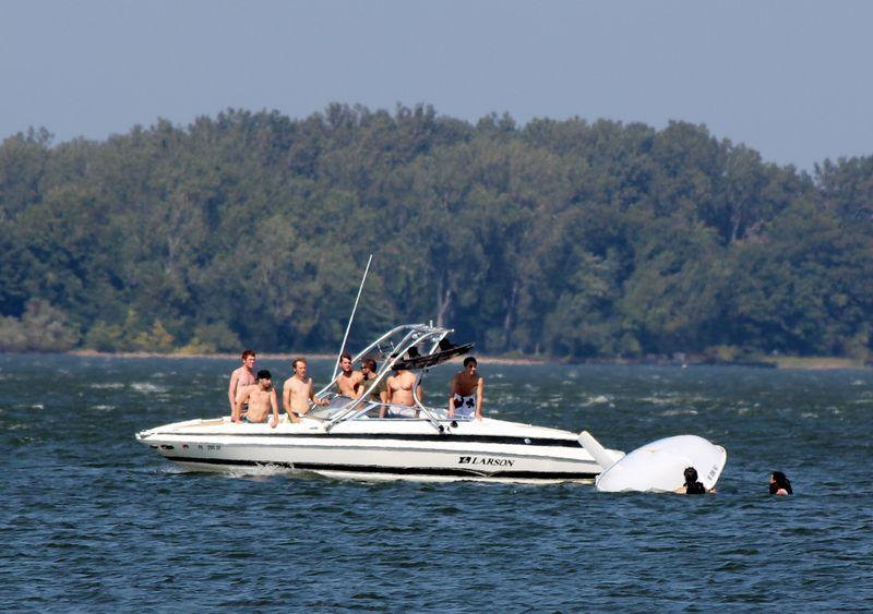 Resque boat